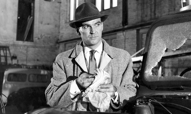 Stanley Baker in Val Guest's 1960 thriller Hell Is a City.